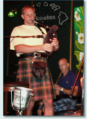 Roger McKinley and Bud Clark -  3 Pints Celtic at Mulligans, Wailea