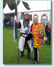 'Robert the Bruce' with his descendant the Lord of Elgin and Kincardine, at The Gathering 2009, Edinburgh