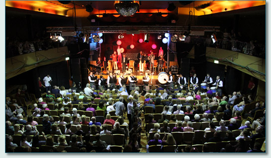 The Chieftains and Colmcille Pipe Band at the Plaza, Buncrana, Donegal for NAFCo 12