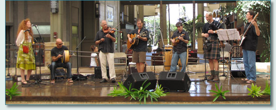 The Fin MacCoul band at Quenn Ka'ahumanu Mall