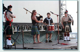 Hamish and Peter of Maui Celtic at 'Scottish Sunset on the Beach' with the Celtic Pipes and Drums of Hawaii '06
