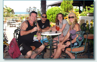 Hamish Burgess, Alejandro Rivas-Vasquez, Iulia and Jennifer Fahrni at La Trattoria el Faro Blanco Restaurant, Califonia Lighthouse, Aruba