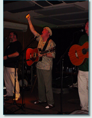 Liam Clancy at Charley's in Paia, Maui '07