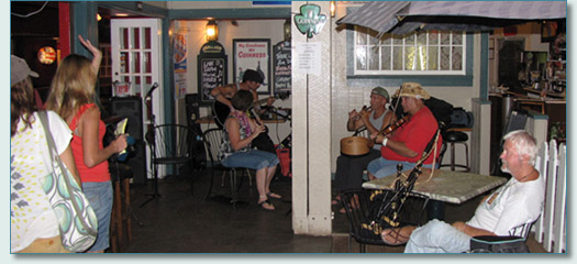 Linda Hickman, Clint Burdick, Bud Clark, fiddler Noel at Irish session, Mulligan's at the Wharf, Lahaina, July 2010
