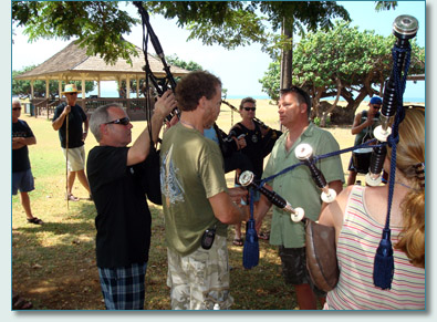 Neil Dickie, Alex McIntyre and the Isle of Maui Pipeband