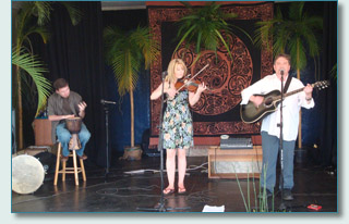 Shona Le Mottee, Tim Readman and guest Pete at Haleakala Waldorf School, Kula, Maui